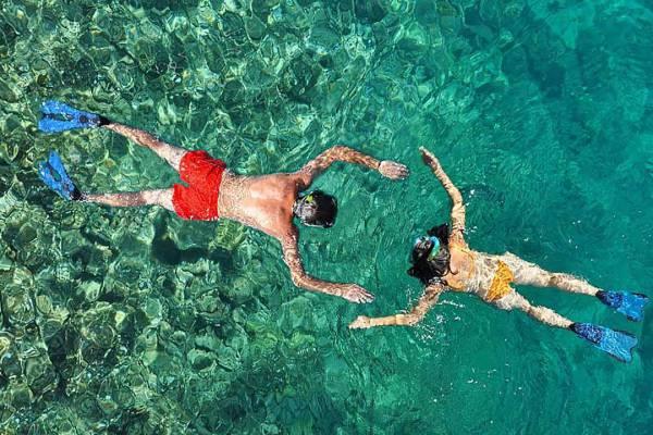 manta-adventures-mid-day-snorkel-tour